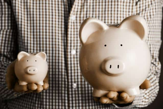 Small and large piggy banks showing how much you can save with an annuity purchase.