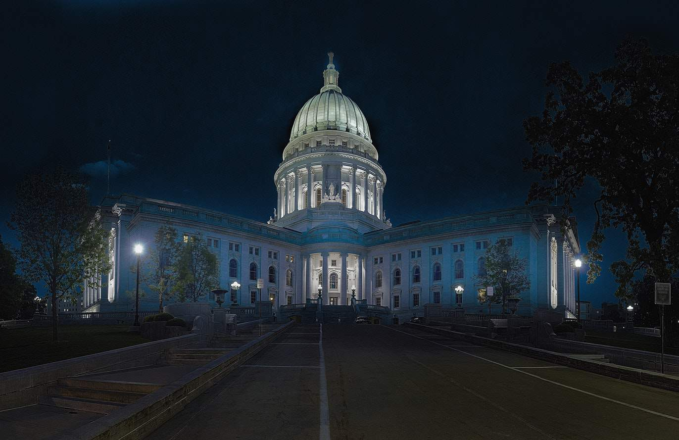 The Wisconsin state capitol at night